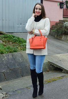 Že vyzerá blogerka Patricia skvele v tom ružovom svetri z modina?:) http://modino.sk/trblietavy-sveter-s-vreckami-33303543.html #sweater #modino_sk #modino_style #blogger #outfit #fashion #beauty #xoxopatty