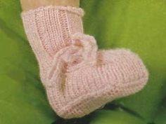 Schemi per scarpine: Scarpine a maglia color rosa