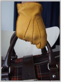 Dakar Genuine peccary gloves cashmere linen by Omega Guanti.  Tomorrow @Zampa di Gallina Trunkshow.