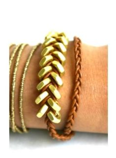 Leather and gold nuts bracelet.