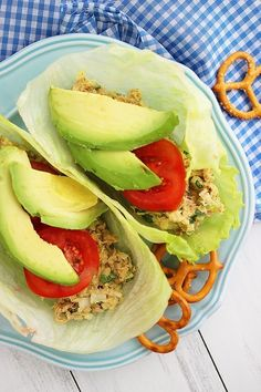 Avocado Tuna Salad Lettuce Wraps by The Comfort of Cooking ~ Perfect solution for a low carb and high protein lunch! #healthy #lowcarb #lunch #sandwich #recipe