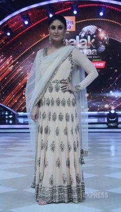 Kareena Kapoor was stunning in a pastel coloured creation by her favourite designer Manish Malhotra on 'Jhalak Dikhhla Jaa'.