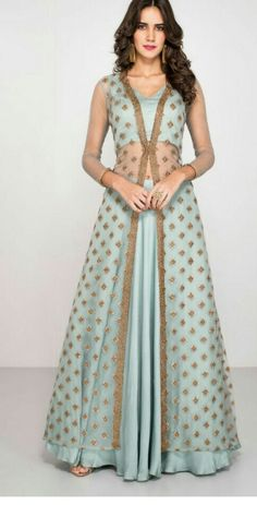 30 Trendy Sangeet Outfit Ideas for the Bride What to wear at your sangeet ceremony - 13 dress Indian bling ideas Lehenga Designs, Choli Designs, Indian Gowns Dresses, Pakistani Dresses, Net Dresses, Party Wear Indian Dresses, Indian Wedding Outfits, Indian Outfits, Indian Designer Outfits