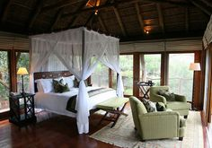 Pumba is a private luxury big 5 game reserve and spa situated near Port Elizabeth in the malaria-free Eastern Cape of South Africa.