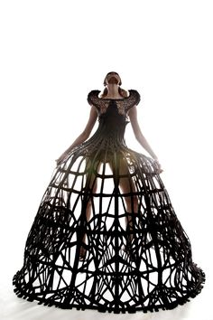 Collection Giger's Goddess Basée à Londres, l'univers de Malgorzata Dudek est emprunt d'une grande dimension dramatique. S'inspirant du mythe d'Arachné et des expérimentations menées par la NASA d...