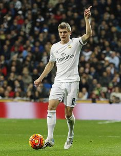 Toni Kroos of Real Madrid in action during the La Liga match between Real Madrid CF and RC Deportivo La Coruna at Estadio Santiago Bernabeu on...