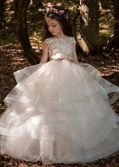 Buy discount Gorgeous Tulle Sweetheart Neckline Ball Gown Wedding Dresses with Beaded Lace Appliques at Magbridal.com