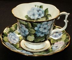 "Royal Albert England Bouquet Series Black ""Hydrangea"""
