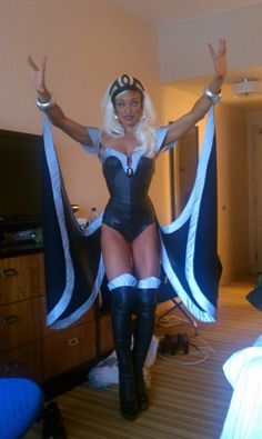 Excellent and faithful re-creation of Storm's costume from her early days with the X-Men... Really good job! @Ba Nana http://m-heroes.com/