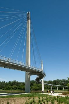 The Bob Kerrey Pedestrian Bridge is a 3,000-foot structure for walkers and cyclists connecting Nebraska and Iowa. Click image for link to full profile and visit the slowottawa.ca boards >> https://www.pinterest.com/slowottawa/