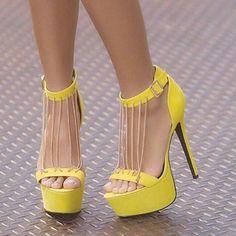 🌼Entrem e confiram um pouco mais de nossas tendências, vocês estão super convidadas😄😄😄 . . #tendênciascasuais   moda&estilo👠 . . ✅Curtam nossa página no FACEBOOK👇👇 ✅www.fb.com/tendênciascasuais (link na BIO) . #oculosescuros#oculosdesol#saltoalto#sapatosfemininos#salto#moda#modapraia#modafeminina#modafitness#lookdodia#looks#makeup#maquiagem#unhas#crooped#tshirt#pulseira#batom#style#model#modelo#tendencias#tendenciascasuais#bolsas#modelo#night#passarela#shoes#instashoes#sobrancelhas#