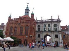 Gdańsk_-Dwór_Bractwa_św._Jerzego_i_Złota_Brama_AL01.jpg (4608×3456)