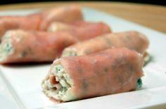 Inspirerende gerechten | Hamrolletjes gevuld met een mengsel van roomkaas, ui en bieslook. Door helenatruus