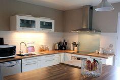 cuisine ikea bois et blanc : j'aime aussi les étagères vitrées