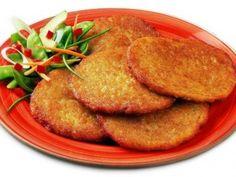 Recept: Bramboráky deluxe   Tradičnírecepty.cz Cantaloupe, Pancakes, Fruit, Breakfast, Food, Morning Coffee, Essen, Pancake, Meals