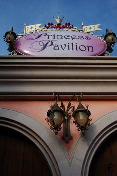Disneyland - Fantasyland - Princess Pavilion