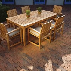 Wood patio table plans New Ideas Outdoor Wood Table, Wooden Garden Table, Outdoor Wood Furniture, Patio Furniture Sets, Garden Furniture, Teak Furniture, Inexpensive Furniture, Furniture Ideas, Patio Dining