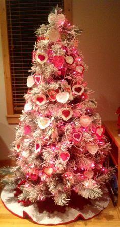 My Funny Valentine, Valentine Tree, Valentine Day Love, Valentine Day Crafts, Vintage Valentines, Valentine Ideas, Pink Christmas Tree, Christmas Tree Themes, Noel Christmas