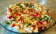 Kremet gresk pastasalat ala Tanja 8 pers 2 kyllingfileer 1 pk pastaskruer,gjerne flerfarget 1...