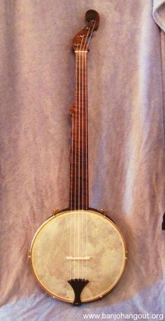 Beautiful Minstrel Banjo - Banjo Hangout  Great Price on this one. If I had any money at all...