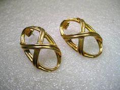 """Vintage Gold Tone Large Oval Groove Framed Pierced Earrings 1.5"""", 1980's.  Avon. #Avon #pierced"""