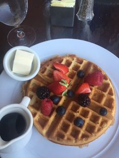 BY: Kawaii kitty I had this awesome,giant Belgian waffle this morning!#Goals