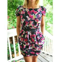 Diane von fursteberg silk floral dress So gorgeous silk dress so gorgeous silk dress with Empire waist. Marked size 8 but fits like a size 6 cap sleeves overall great condition does have a few minor pulls that are un- noticeable Diane von Furstenberg Dresses Mini