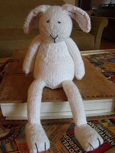 new babies lately, gotta get knitting! Love this guy (and all Susan B. Anderson's creatures).