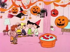 The Midnight Rant: 31 Days of Halloween: It's the Great Pumpkin, Charlie Brown! The Midnight Rant: 31 Days of Halloween: It's the Great Pumpkin, Charlie Brown! Charlie Brown Halloween, Peanuts Halloween, Charlie Brown Y Snoopy, Great Pumpkin Charlie Brown, It's The Great Pumpkin, Theme Halloween, Halloween Movies, Holidays Halloween, Vintage Halloween