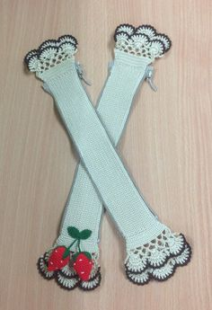 d8f61ea89b8c Items similar to Handle covers crochet louis vuitton with zipper Two tone  cream strawberry (102) on Etsy