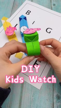 Kids Toy-Paper Crafts for Fun. Would you like to try this watch this weekend with your kids? Paper Crafts Origami, Paper Crafts For Kids, Craft Activities For Kids, Preschool Crafts, Diy For Kids, Toddler Crafts, Diy Crafts Hacks, Diy Crafts For Gifts, Easy Diy Crafts