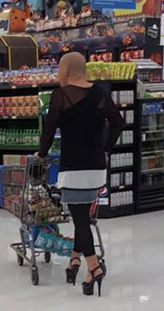Bilderesultat for walmart men in high heels