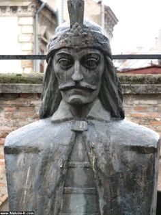 Bust of Count Dracula Vlad III, Prince of Wallachia, Bucharest, Romania. Famous Vampires, Real Vampires, Vlad El Empalador, Vlad The Impaler, Transylvania Romania, Count Dracula, Classic Monsters, Some Pictures, Profile Pictures