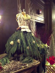 108 Creative Rustic Natural Stylish DIY Dress Christmas Tree Decorations – Page 58 – My Beauty Note Mannequin Christmas Tree, Dress Form Christmas Tree, Noel Christmas, Xmas Tree, All Things Christmas, Christmas Crafts, Christmas Ornaments, Christmas Border, Whimsical Christmas