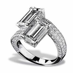 Loving this emerald cut diamond bypass ring I Love Jewelry, Jewelry Rings, Jewelry Accessories, Fine Jewelry, Jewelry Design, Fashion Accessories, Emerald Cut Diamonds, Diamond Cuts, Saphir Rose