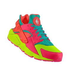2014 cheap nike shoes for sale info collection off big discount.New nike roshe run,lebron james shoes,authentic jordans and nike foamposites 2014 online. Best Sneakers, Casual Sneakers, Shoes Sneakers, Huaraches Shoes, Adidas Shoes Outlet, Nike Free Shoes, Nike Air Huarache, Hot Shoes, Custom Shoes