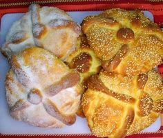 Pan de muerto, su nombre lo toma porque es una de las ofrendas de los Altares del Día de Muertos (02-noviembre) Una hermosa tradición mexicana