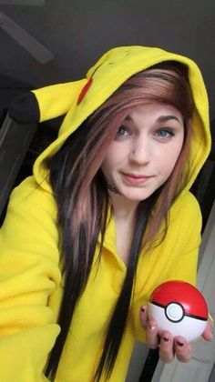 I hate it when scene girls take pics of Pokemon and they don't know what its all about! But I really want a Pokemon sweater! Emo Hairstyles For Guys, Cute Hairstyles, Scene Hair Colors, Cosplay Hair, Cosplay Girls, Emo Scene Hair, Scene Girls, Emo Girls, Dye My Hair