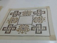 Beaded Embroidery, Cross Stitch Embroidery, Bargello, Plastic Canvas, Diy And Crafts, Quilts, Type 3, Rugs, Crochet