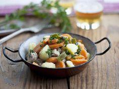 Gemüse-Rindfleisch-Eintopf (Pichelsteiner) ist ein Rezept mit frischen Zutaten aus der Kategorie Eintöpfe. Probieren Sie dieses und weitere Rezepte von EAT SMARTER!