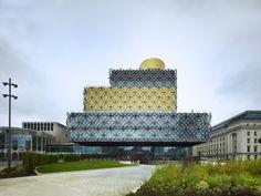 de bibliotheek van Birmingham is ''a people's palace''. Van een archief uitpluizen tot je eigen gezondheid onderzoeken, het kan er allemaal.