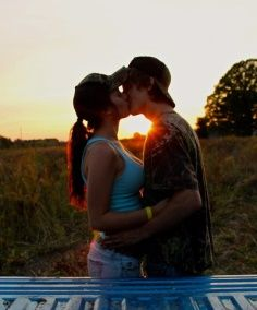 goals country Adorable country couple with a sunset! This is beautiful Adorable country couple with a sunset! It& beautiful Country Couple Pictures, Cute Country Couples, Cute N Country, Cute Couple Pictures, Cute Couples Goals, Country Girls, Couple Goals, Couple Pics, Country Life