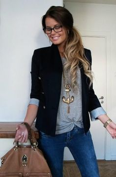 Simple style. Simple grey t shirt tuck in jeans. Dark blazer