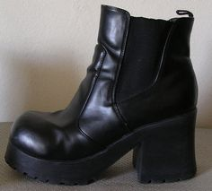 78a77bea6324 Vintage 90s Chunky Platform Boots Shoes 9 Ankle Faux Leather 9 Goth Grunge