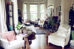 Studio // Bachelorette // Home Decor // Interior Design // House // Apartment