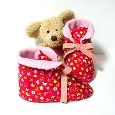 Chaussons bébé en coton rouges à motifs doublés en polaire 3 à 6 mois Tricotmuse : Mode Bébé par tricotmuse