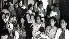 1952: International Planned Parenthood Federation is formed at the Third International Conference on Planned Parenthood in Mumbai (Bombay), India. | La Federación Internacional para la Planificación Familiar se establece durante la Tercera Conferencia Internacional sobre Planificación Familiar en Mumbai (Bombay), India.