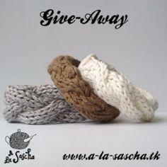 Cabled Bracelets - free knit pattern by A la Sascha Loom Knitting, Knitting Patterns Free, Crochet Patterns, Free Knitting, Free Pattern, Yarn Projects, Crochet Projects, Yarn Inspiration, Textile Jewelry