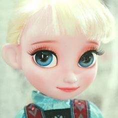 Instagram media by ji_a.n.babydoll - #disneybabydoll #babydollelsa #babydoll… Disney Baby Dolls, Baby Disney, Elsa Coronation, Disney Animators Collection Dolls, Frozen Sisters, Disney Animator Doll, Eye Drawings, Monster High Repaint, Doll Painting