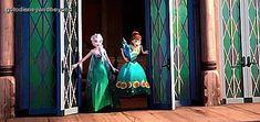 Elsa and Anna - frozen Photo